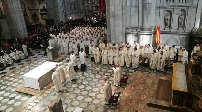 messa del crisma duomo como, le celebrazioni di oggi con vescovo cantoni