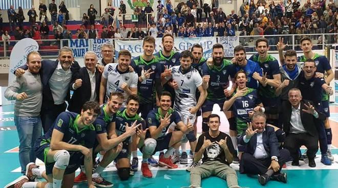 pool libertas cantù vince a mondovì debutto play-off a2 volley