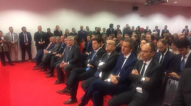 salone del mobile milano, inaugurazione con presidente regionale fermi e premier conte