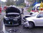 incidente a montano lucino schianto frontale tra due auto via per gironico