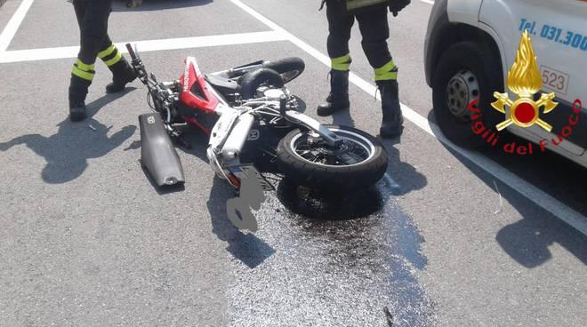 incidente auto moto a casnate ragazzo ferito
