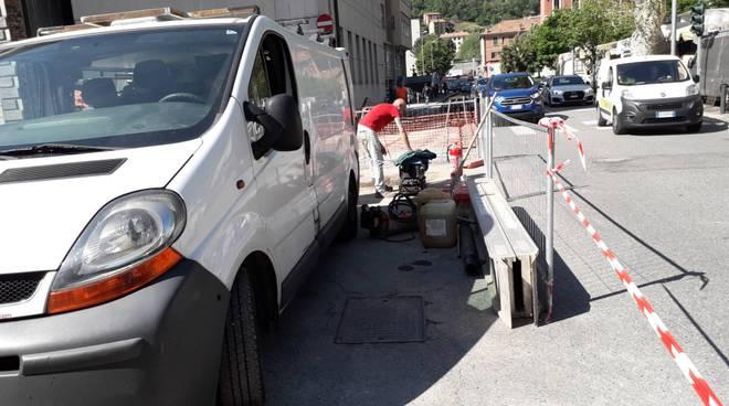 lavori viale cattaneo a como cantiere e fresatura viale battisti como