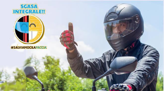 #salviamocilafaccia