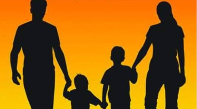 giornata della famiglia a Laglio logo e quello dell'Osservatorio su nuove destre di Como