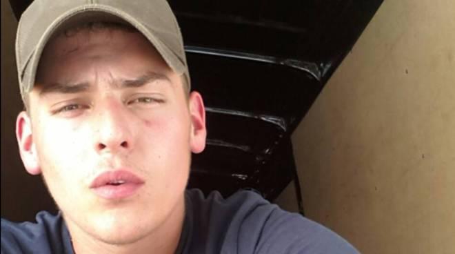 hans junior krupe il giovane ucciso alla festa di Veniano dal profilo facebook