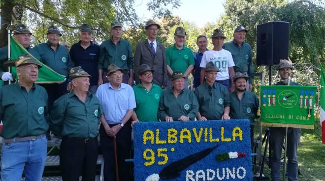 Il raduno degli alpini ad Albavilla: sfilata e grande festa