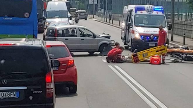 incidente via paoli camerlata auto moto ed escursionista ferito montagna