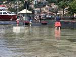 mario landriscina piazza cavour con assessore negretti per esondazione del lago di como