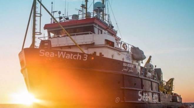 nave sea watch protesta di como senza frontiere a como