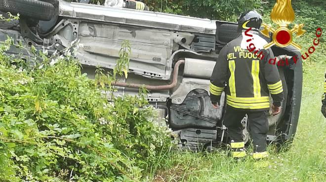 cadorago auto fuori strada soccorsi pompieri via manfredini