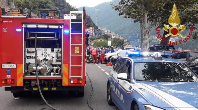 Laglio incidente auto moto sulla regina soccorsi