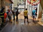 Maltempo devastante nel comasco: tetto scoperchiato e fango sulle strade
