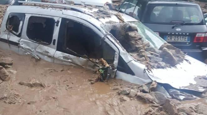maltempo devastante nel lecchese, frane e smottamenti a casargo auto travolte dal fango