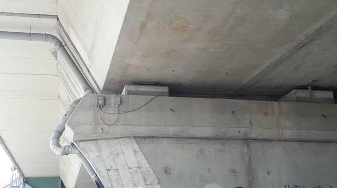 viadotto dei lavatoi controlli sotto le travi e cartelli lavori oggi da parte del comune