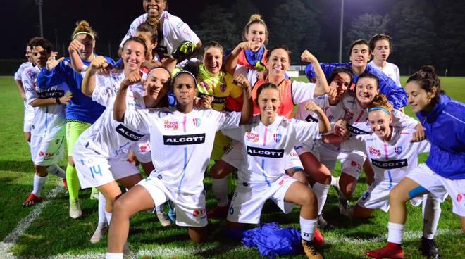 acf como calcio femminile supera turno coppa italia immagini de paula e esultanza fine gara