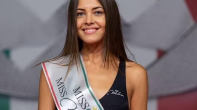 comasca iryna nicoli si prende la fascia di miss miluna prima di miss italia 2019