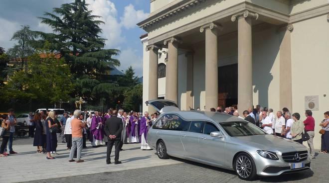 funerali erba di enrica sangiorgio presidente amici di monsignor Pirovano