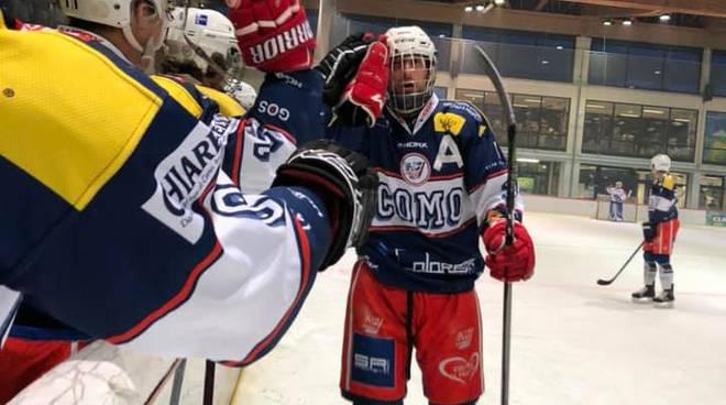 hockey como prima amichevole della stagione a Baselga di pinè