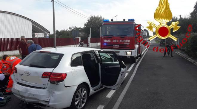 incidente cadorago caslino scontro tra auto