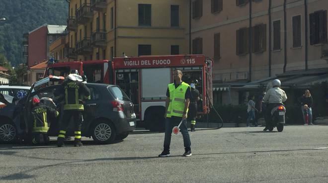 incidente viale innocenzo a como scontro tra auto soccorsi 118 vigili fuoco