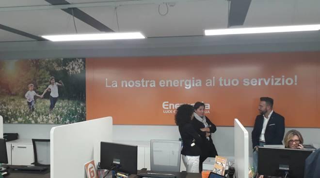 presentazione nuovo sportello enerxenia a como per vendita luce e gas