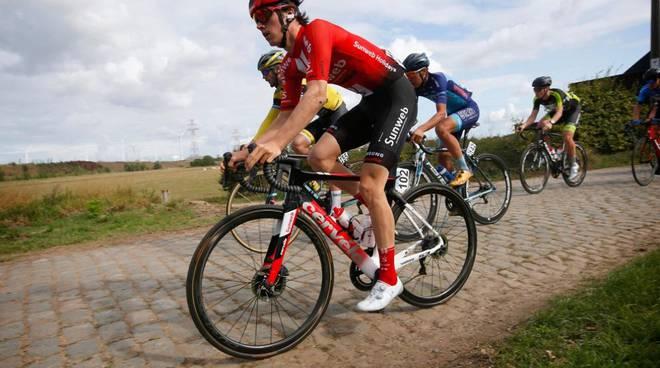 ciclista edo maas ferito a canzo piccolo giro di lombardia di ciclismo