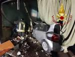 incicdente camerlata, auto contro la vetrina della lavanderia pompieri soccorso