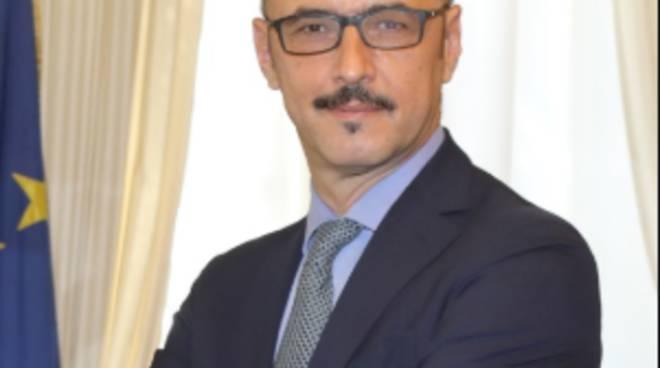 matteo mauri vice ministro del pd arriva a campione