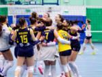 tecnoteam albesevolley vince a settimo b1 femminile, ragazze festeggiano a fine gara