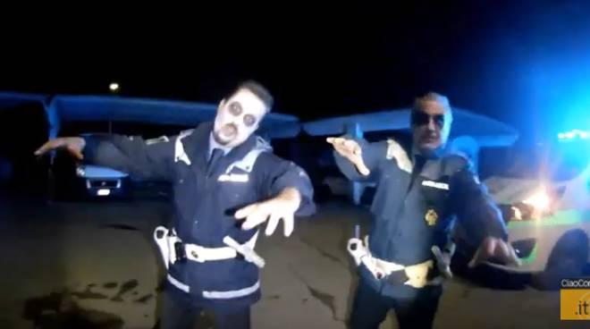 video polizia locale cantù per notte di halloween 2019