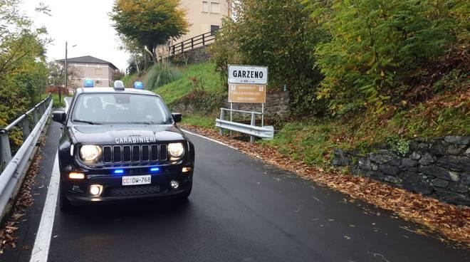 carabinieri dongo ingresso abitato di garzeno macchina davanti cartello