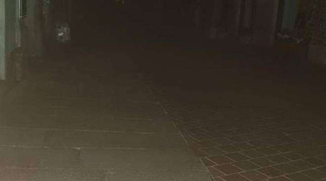 como al buio ieri sera diverse zone qui via giovio senza luci