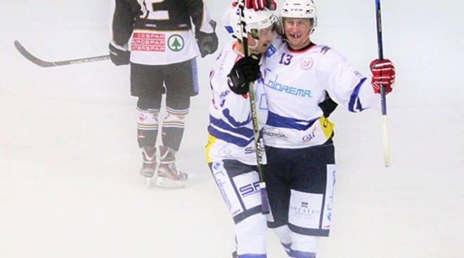 hockey como superato a casate da Merano