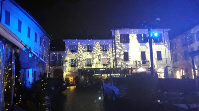 La giornata inaugurale della Città dei Balocchi a Como sotto la pioggia
