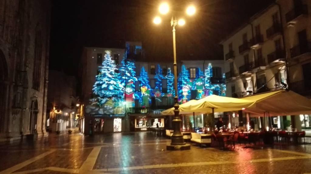 prova delle luci della città dei balocchi 2019 in piazza duomo a como
