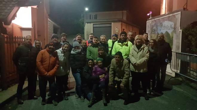 sindaco cernobbio monti in strada con volontari per emergenza frana rovenna