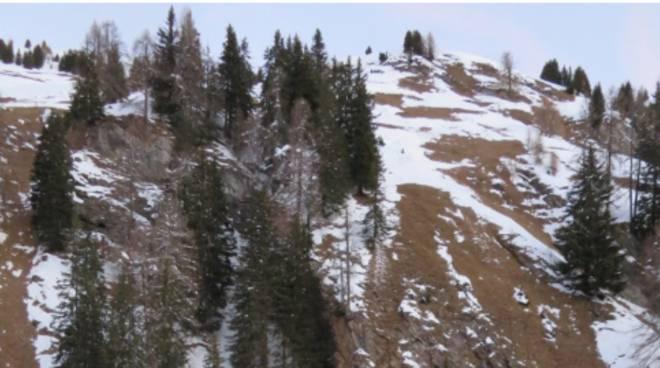 escursione con le ciaspole allo splugen muore escursionista comasco di villaguardia