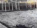 lago di Como sporco, detriti e acqua di nuovo nei limiti