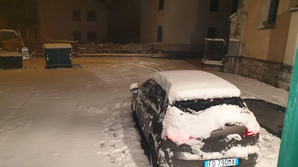 Le foto dei lettori: la prima neve della stagione sulle strade della provincia