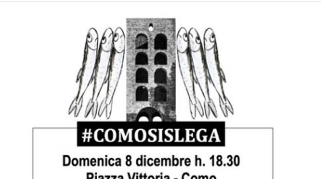 logo della manifestazione comosislega piazza vittoria d