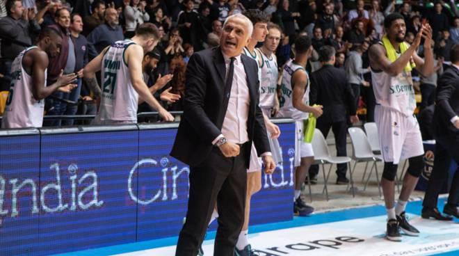 pallacanestro cantù san bernardo supera openjob varese derby desio pancotto