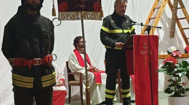 pompieri di como festa di santa barbara 2019 comandnate che parla e cerimonia caserma
