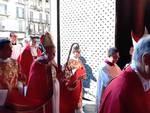duomo di como vescovo cantoni ingresso con sacerdoti sinodo