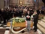 funerale pietro anastasi a varese chiesa e bara