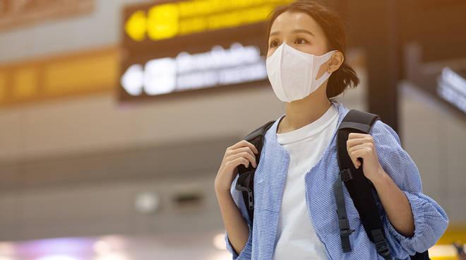 mascherine in vendita per la prevenzione del coronavirus a como