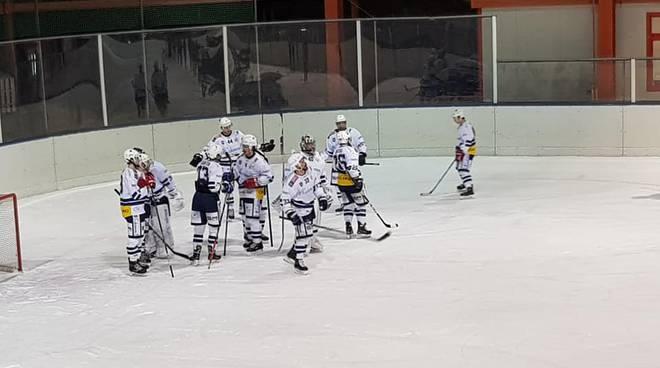 hockey como prima squadra ed under 13 in studio da noi prima della partenza per canada