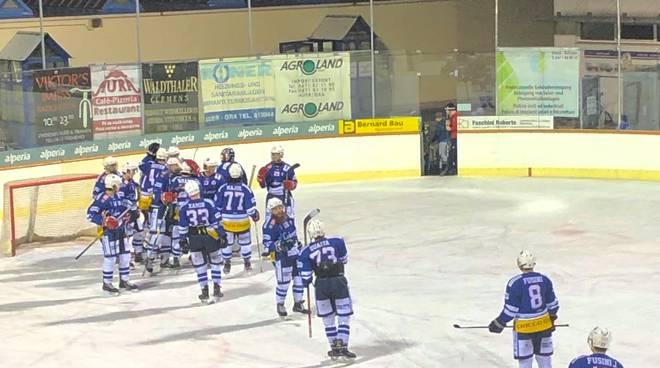 Hockey como sconfitto pista di ora contro cavaliers