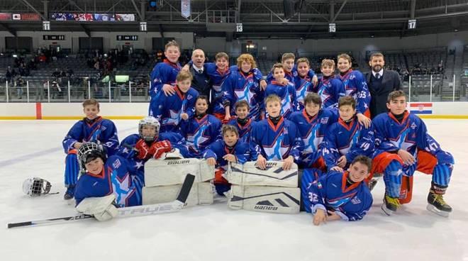 i ragazzi under 134 hockey como in canada torneo internazionale foto di gruppo