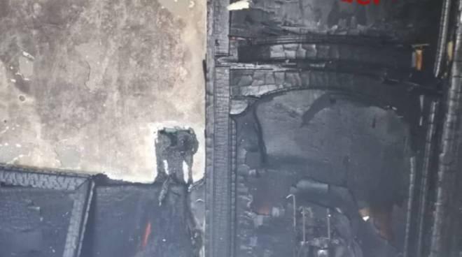 incendio appartamento via roncoroni olgiate pompieri e danni