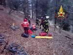 incidente monte san primo ragazzo cade nel burrone con bici soccorsi